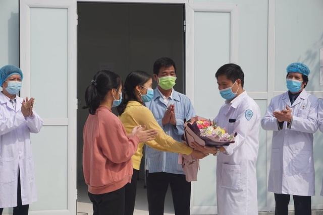 Gia đình 4 người mắc COVID-19 tại Vĩnh Phúc đã hoàn toàn khỏi bệnh, sắp đoàn tụ - Ảnh 7.