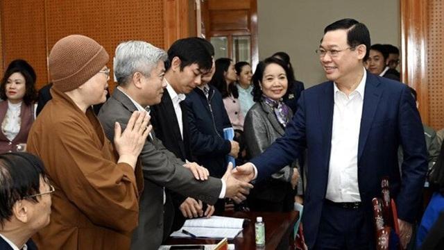 Hà Nội cách ly 172 người về từ Daegu, xử lý nhiều đối tượng tung tin thất thiệt về COVID-19 - Ảnh 5.