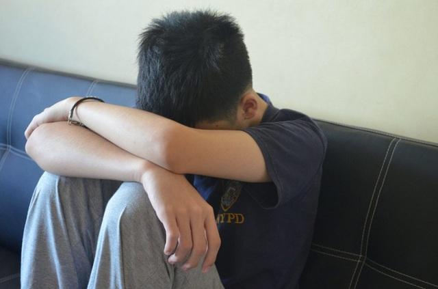 Nhân viên nhà trẻ dụ dỗ thiếu niến 13 tuổi quan hệ tình dục suốt nhiều năm, sinh con cho nạn nhân nhưng nói dối để chồng nuôi - Ảnh 2.