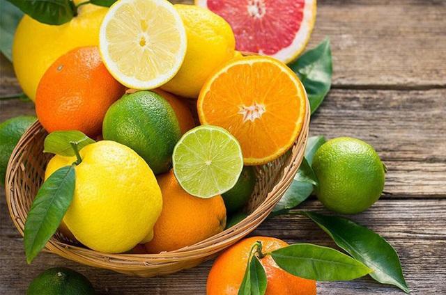 18 loại rau quả nhiều vitamin C hơn cam, chanh gấp 5 lần ít ai để ý  - Ảnh 1.