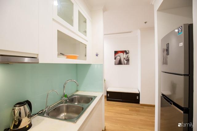 Chỉ vỏn vẹn 56m² nhưng căn hộ nhỏ dưới đây lại rộng thoáng bất ngờ nhờ cách bài trí thông minh của chủ nhà ở Hà Nội - Ảnh 16.