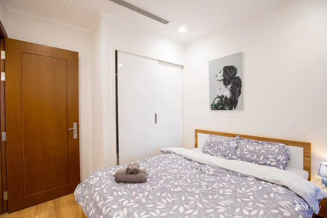 Chỉ vỏn vẹn 56m² nhưng căn hộ nhỏ dưới đây lại rộng thoáng bất ngờ nhờ cách bài trí thông minh của chủ nhà ở Hà Nội - Ảnh 21.