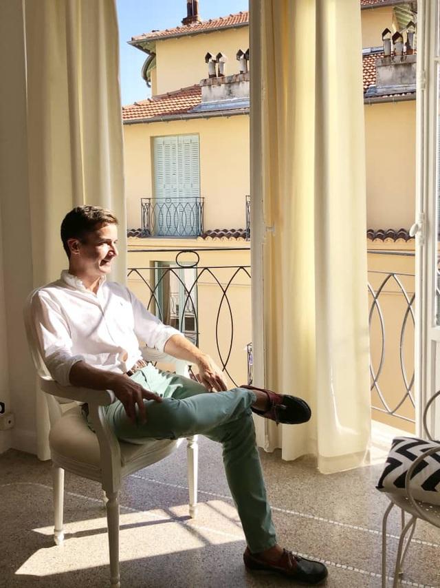 Căn hộ rộng 43m² được chàng trai độc thân cải tạo thành phong cách Địa Trung Hải với ánh nắng luôn ngập tràn - Ảnh 4.