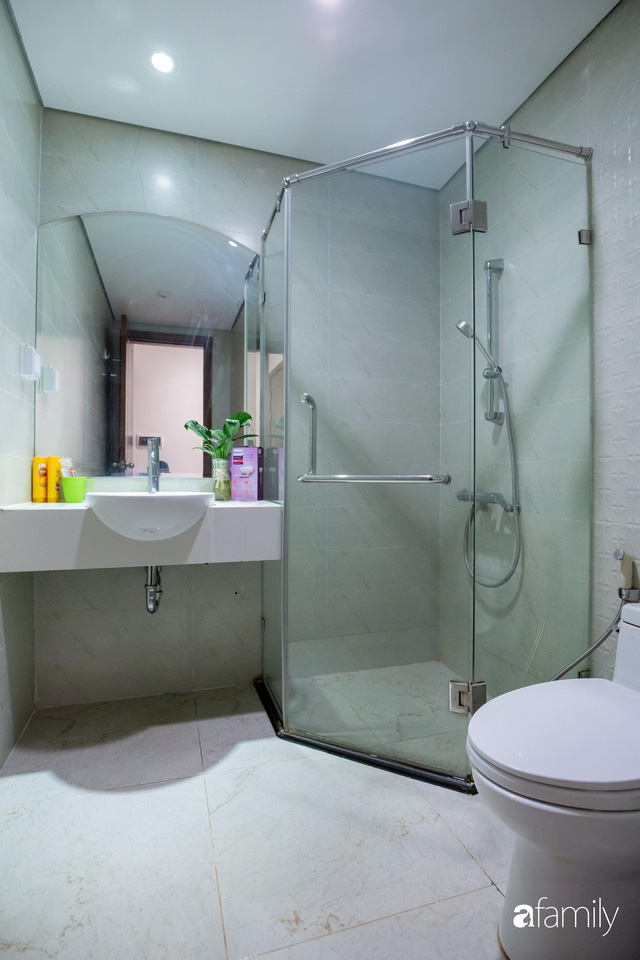 Chỉ vỏn vẹn 56m² nhưng căn hộ nhỏ dưới đây lại rộng thoáng bất ngờ nhờ cách bài trí thông minh của chủ nhà ở Hà Nội - Ảnh 26.
