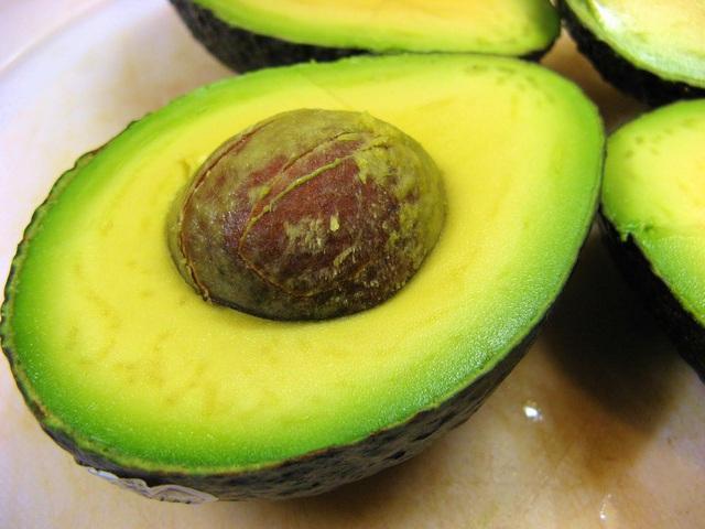 7 loại quả ngon nhưng ăn thường xuyên khiến bạn tăng cân vù vù, chuyên gia chỉ cách ăn khoa học nhất - Ảnh 1.