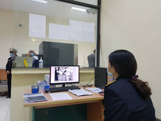 Người thứ 8 mắc nCoV tại Việt Nam: Cô gái trẻ ở Vĩnh Phúc đi cùng đoàn 3 người mắc virus corona - Ảnh 2.