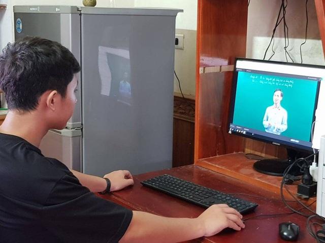 Nghỉ kéo dài vì nCoV, trẻ bắt đầu chán, muốn đến trường, không thích học online - Ảnh 4.