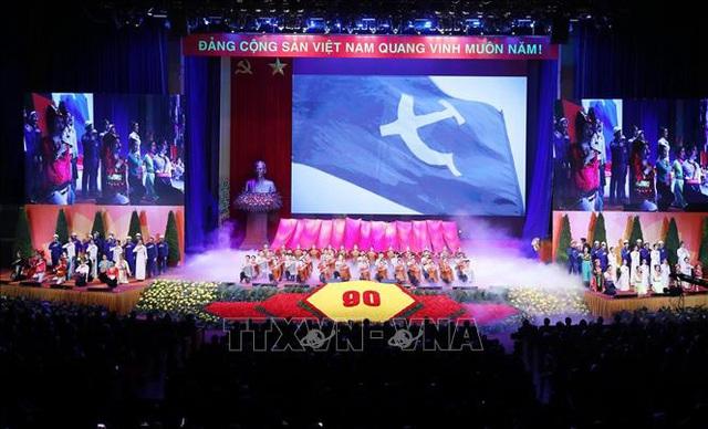 Mít tinh trọng thể kỷ niệm 90 năm Ngày thành lập Đảng Cộng sản Việt Nam - Ảnh 12.
