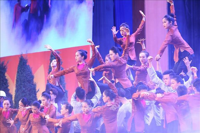 Mít tinh trọng thể kỷ niệm 90 năm Ngày thành lập Đảng Cộng sản Việt Nam  - Ảnh 14.