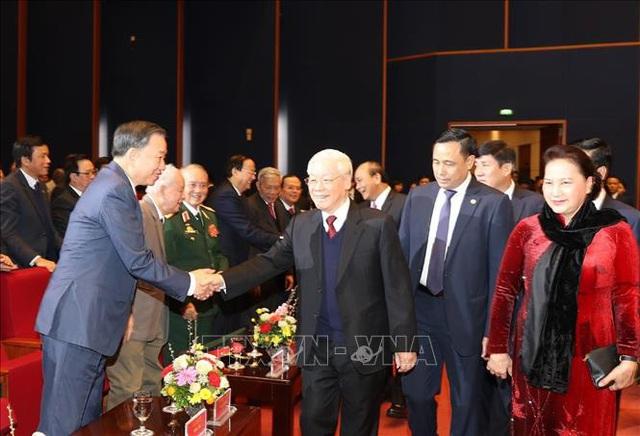 Mít tinh trọng thể kỷ niệm 90 năm Ngày thành lập Đảng Cộng sản Việt Nam  - Ảnh 3.