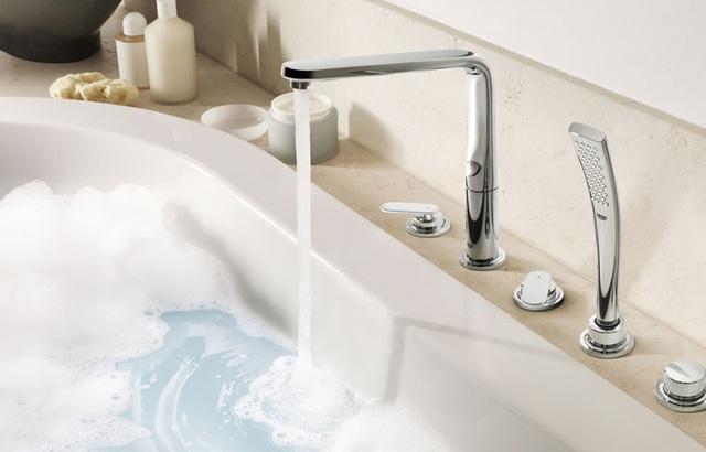 5 điều đang khiến phòng tắm của bạn trông bẩn và bừa bộn hơn - Ảnh 5.