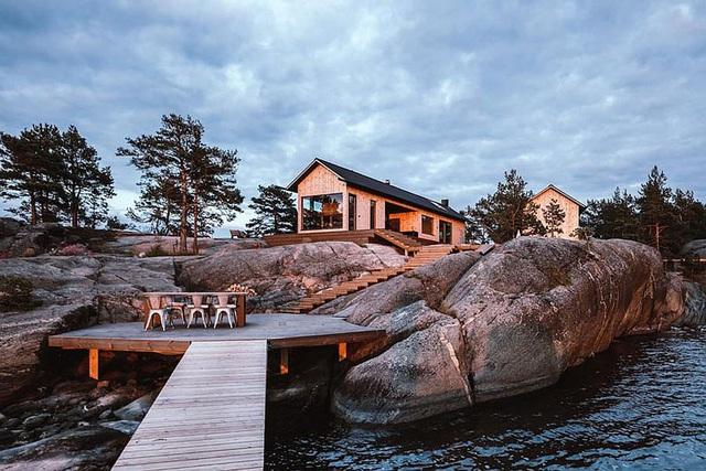 Ngôi nhà nhỏ xíu kiểu cabin mang phong cách Scandinavia đẹp đến nao lòng - Ảnh 6.