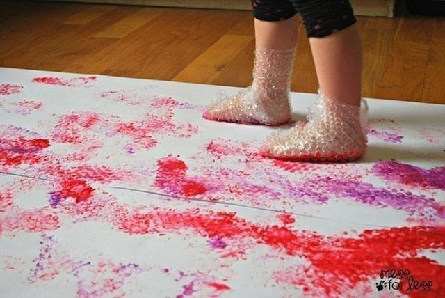 Những trò chơi khiến trẻ vui hết sảy trong những ngày  ở nhà tránh dịch - Ảnh 3.
