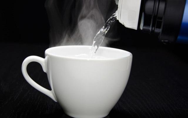 Cách bổ sung nước có lợi cho sức đề kháng phòng chống virus corona trong ngày đông lạnh - Ảnh 1.