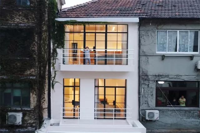 Ngôi nhà có tuổi đời 70 năm lột xác thành không gian hiện đại, tiện nghi dành cho gia đình trẻ - Ảnh 3.