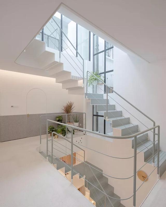 Ngôi nhà có tuổi đời 70 năm lột xác thành không gian hiện đại, tiện nghi dành cho gia đình trẻ - Ảnh 14.