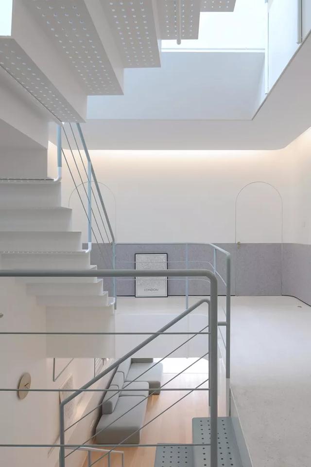 Ngôi nhà có tuổi đời 70 năm lột xác thành không gian hiện đại, tiện nghi dành cho gia đình trẻ - Ảnh 18.
