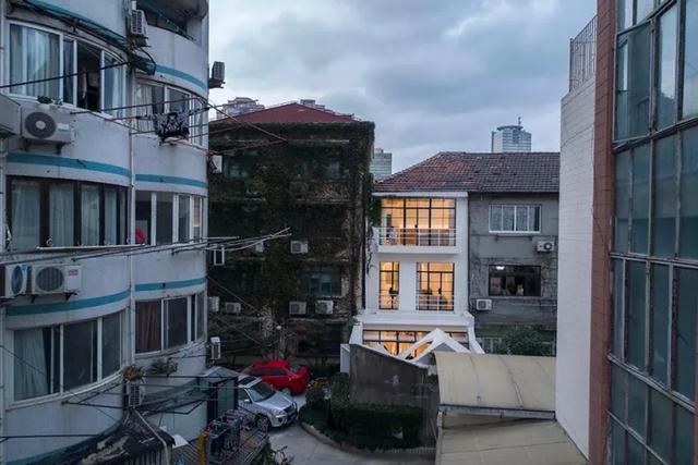 Ngôi nhà có tuổi đời 70 năm lột xác thành không gian hiện đại, tiện nghi dành cho gia đình trẻ - Ảnh 6.