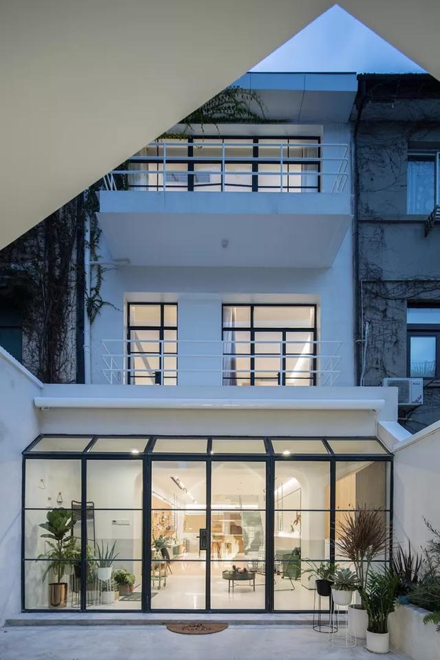 Ngôi nhà có tuổi đời 70 năm lột xác thành không gian hiện đại, tiện nghi dành cho gia đình trẻ - Ảnh 7.