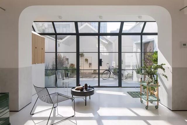 Ngôi nhà có tuổi đời 70 năm lột xác thành không gian hiện đại, tiện nghi dành cho gia đình trẻ - Ảnh 8.