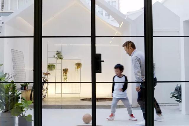 Ngôi nhà có tuổi đời 70 năm lột xác thành không gian hiện đại, tiện nghi dành cho gia đình trẻ - Ảnh 9.