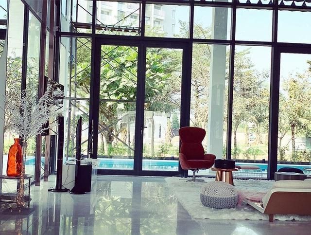 Phượng Chanel ghé thăm biệt thự mới của Ngọc Trinh, hé lộ nội thất gây choáng bên trong - Ảnh 10.