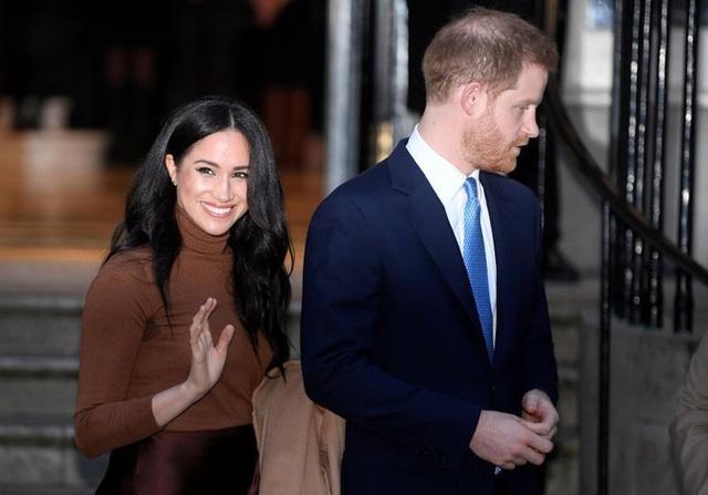 Xuất hiện ở sự kiện tại Mỹ nhưng Hoàng tử Harry và Meghan Markle không được trả tiền? - Ảnh 1.