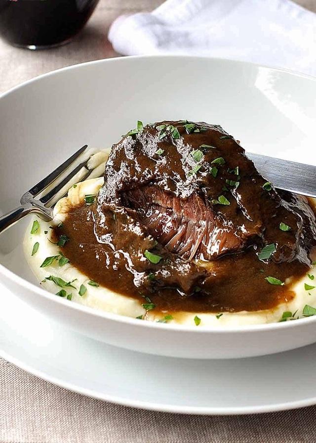 Vào nhà hàng sang ăn quả lừa đau, tôm hùm, thịt bò hảo hạng bị đánh tráo - Ảnh 3.