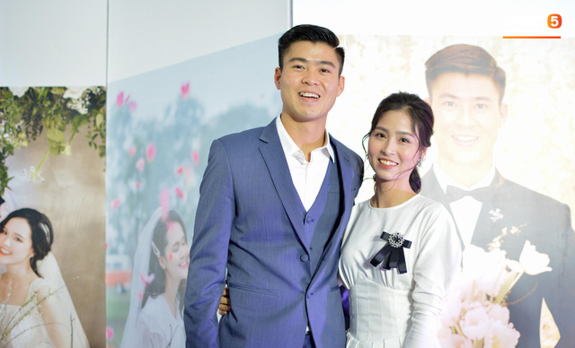 Đám cưới Duy Mạnh: Có hẳn 1 bàn dài để nước rửa tay và phát khẩu trang phục vụ khách vào dự lễ - Ảnh 7.