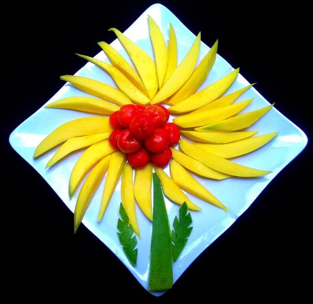 Mẹ đảm trình bày đĩa hoa quả như một bức tranh không ai nỡ ăn - Ảnh 2.