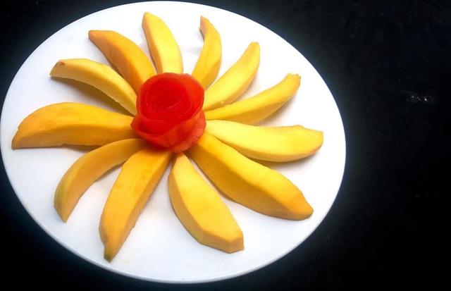 Mẹ đảm trình bày đĩa hoa quả như một bức tranh không ai nỡ ăn - Ảnh 3.