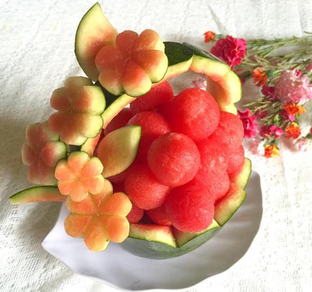 Mẹ đảm trình bày đĩa hoa quả như một bức tranh không ai nỡ ăn - Ảnh 14.