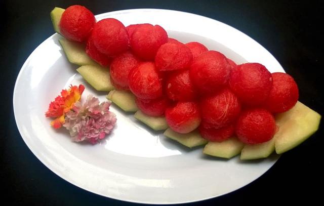 Mẹ đảm trình bày đĩa hoa quả như một bức tranh không ai nỡ ăn - Ảnh 18.