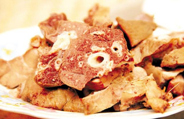 Những phần bẩn nhất của lợn, chứa đầy vi khuẩn nhưng nhiều người vẫn thích ăn - Ảnh 2.