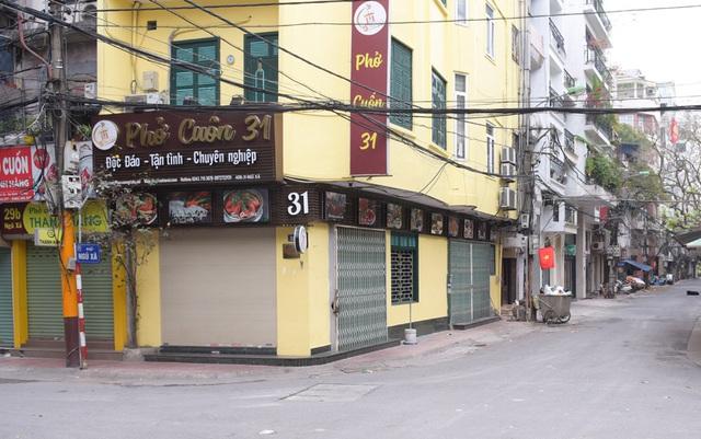 Hàng loạt quán ăn, nhà hàng tạm thời đóng cửa để phòng dịch COVID-19 - Ảnh 5.
