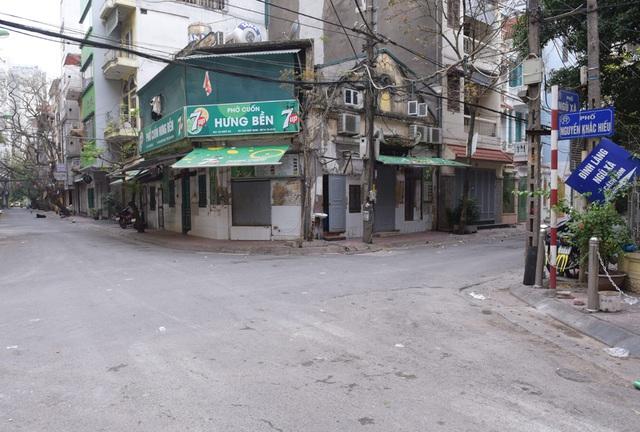 Hàng loạt quán ăn, nhà hàng tạm thời đóng cửa để phòng dịch COVID-19 - Ảnh 14.
