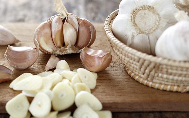 Muốn ăn món lẩu gà bổ dưỡng thị cần tránh xa những rau gia vị này - Ảnh 2.