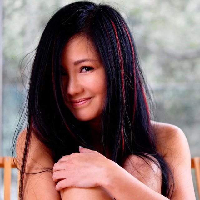 Vẻ ngoài của ca sĩ Hồng Nhung ở tuổi 50 - Ảnh 1.