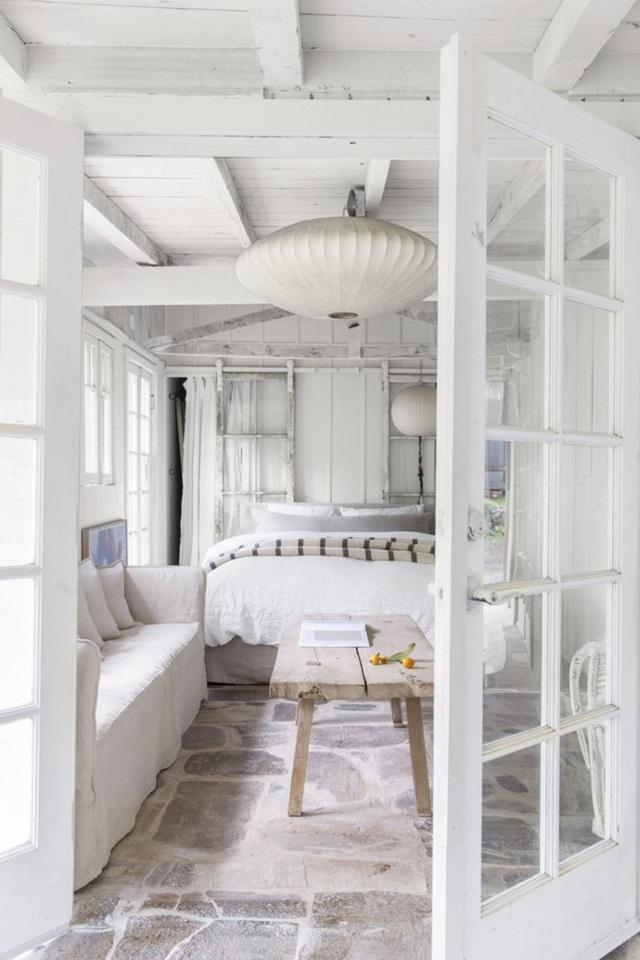 Ai muốn phòng ngủ của mình sang trọng mãi với thời gian đừng bỏ qua các mẫu phòng ngủ màu trắng đẹp hớp hồn này - Ảnh 7.
