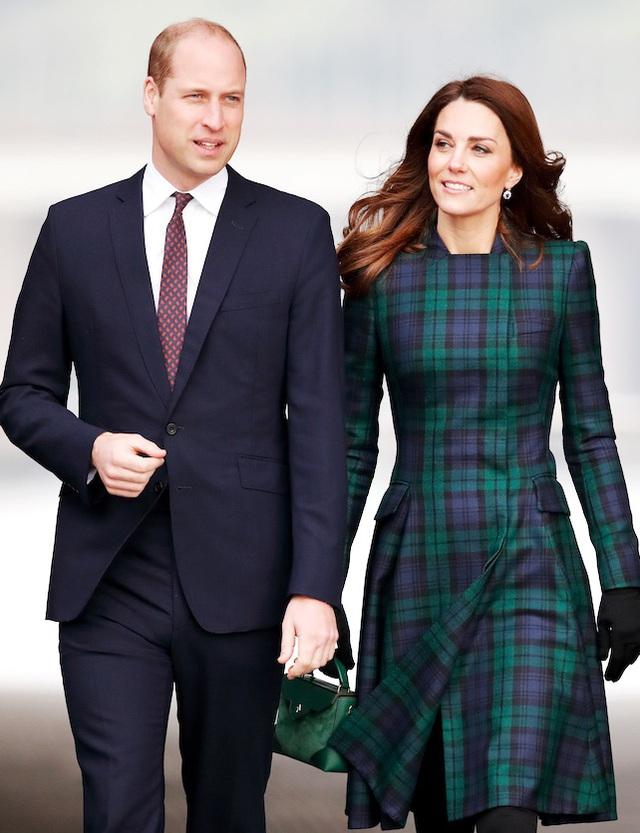 Công nương Anh luôn biết cách mặc đẹp với trang phục màu xanh lá - Ảnh 9.