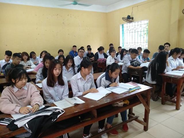Thanh Hóa: Hàng nghìn học sinh quay trở lại trường học - Ảnh 5.