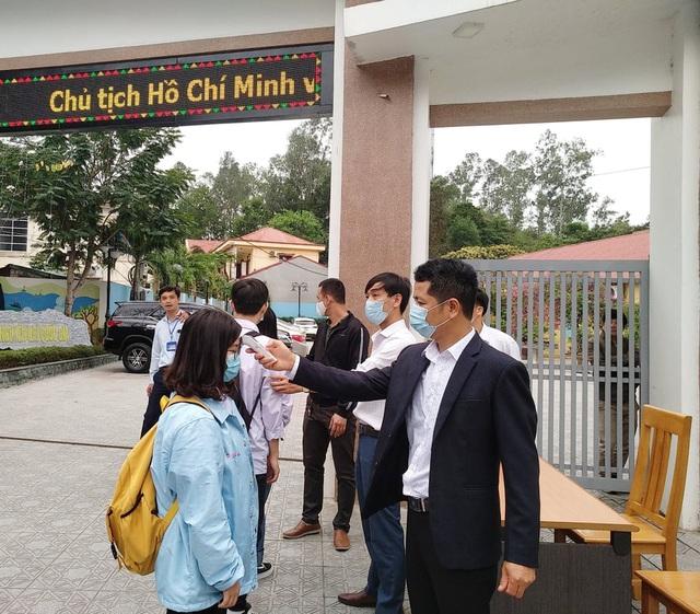 Thanh Hóa: Hàng nghìn học sinh quay trở lại trường học - Ảnh 3.