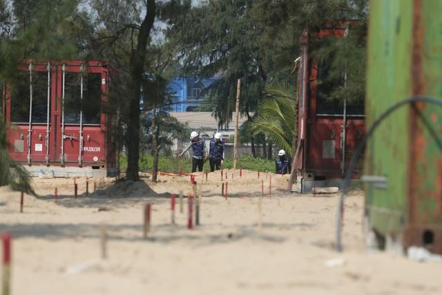 Huyện Nghi Xuân (Hà Tĩnh): Nhà nghỉ container đe dọa rừng phòng hộ - Ảnh 1.