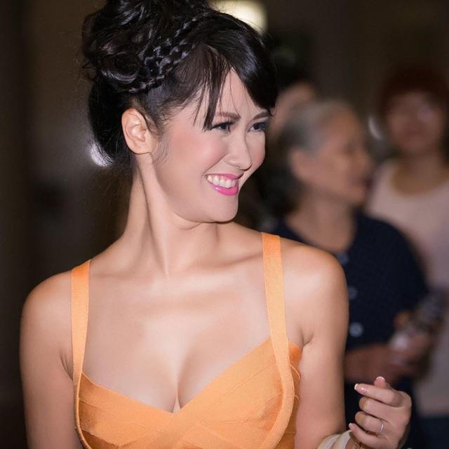 Bống Hồng Nhung vẫn trẻ đẹp gợi cảm giật mình ở tuổi 50 - Ảnh 22.