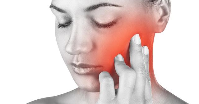 Ngày nay chỉ 30 phút là thoát chứng gió thổi vào mặt cũng đau giật nửa mặt và lấy lại khuôn mặt cân đối - Ảnh 1.