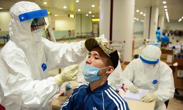 Thêm một thầy giáo tiếng Anh đến quán bar Buddha nhiễm COVID-19, Việt Nam có 121 ca nhiễm - Ảnh 3.