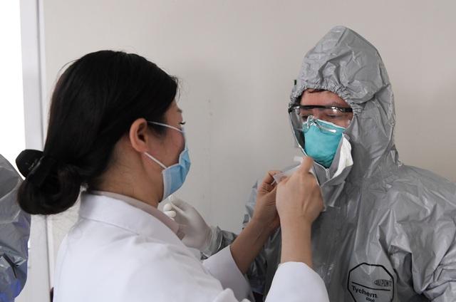 Mục sở thị phòng cách ly đặc biệt điều trị nhiều bệnh nhân COVID-19 nhất Việt Nam - Ảnh 4.