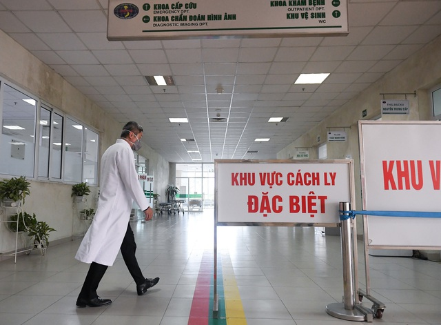 Mục sở thị phòng cách ly đặc biệt điều trị nhiều bệnh nhân COVID-19 nhất Việt Nam - Ảnh 3.