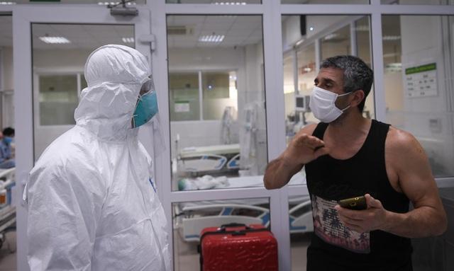 Mục sở thị phòng cách ly đặc biệt điều trị nhiều bệnh nhân COVID-19 nhất Việt Nam - Ảnh 8.
