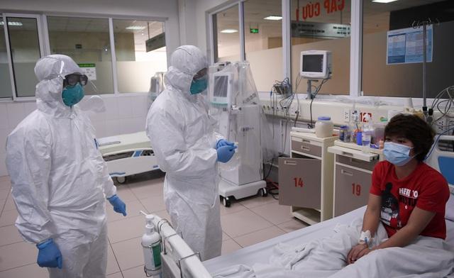 Mục sở thị phòng cách ly đặc biệt điều trị nhiều bệnh nhân COVID-19 nhất Việt Nam - Ảnh 10.